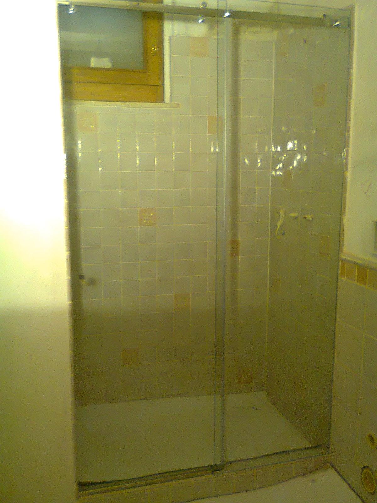chiusura in vetro per doccia