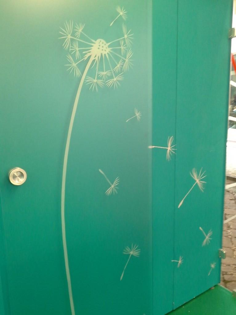 Porta scorrevole in vetro satinato bianco soffione - Porta scorrevole vetro satinato ...